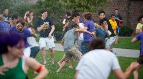 waterballoon fight